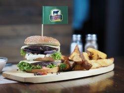 Black Angus burger cu cartofi wedges image