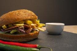 Kebab mixt (pui și vită) în chiflă image