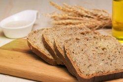 Pâine integrală dospită cu maia-felie