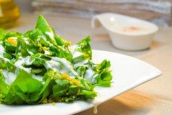 Salată de spanac și quinoa image