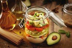 Paste integrale cu sos caju și avocado image