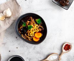 Supa cu noodles Mian-Tan image