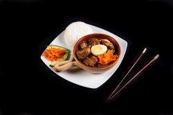 Thit Kho To - Porc caramel în vas de lut și orez image
