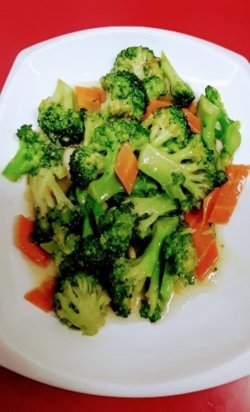 Broccoli cu usturoi image