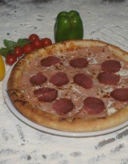 Pizza Prosciutto Salami 40 cm