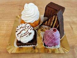 Pachet 5 prăjituri tradiționale (Savarina, Boema, Cabana, Excelent, Violeta) image