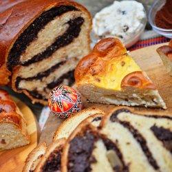 Cozonac moldovenesc cu nucă, cacao și ciocolată belgiană image