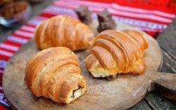 Croissant cu ciocolată image
