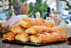 Mini-plăcintele cu brânză sărată image