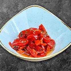 Salată de ardei copt cu usturoi (vegetarian) image