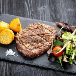 Antricot vitel  cu cartofi cu rozmarin / Bistecca di manzo Uruguay Black Angus image