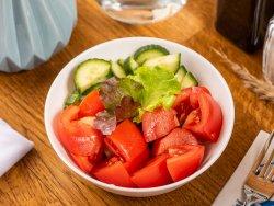Salată de legume proaspete