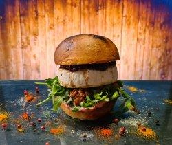 Camembert & Berries Burger
