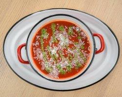Supă cremă roşii cu parmezan şi busuioc  image