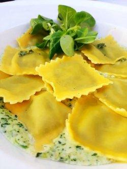 Ravioli ricotta e spinaci  image
