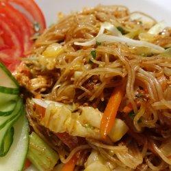 Bún xào rau / Noodles cu legume image