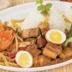 Cơm thịt lợn, rau xào / Carne de porc cu ouă, orez și legume image