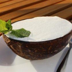 Kem dừa / Sorbet de cocos în fruct image
