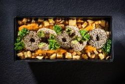 Kebun de falafel cu cartofi, sos oriental și pătrunjel image