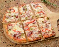 Pizza taraneasca image