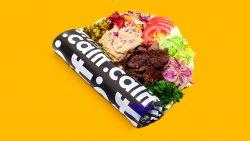 Kebab de vită și curcan, salată de vinete în lipie image