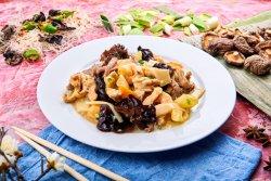 4 Tipuri de carne și 4 tipuri de legume image