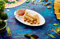 Shanghai Roll + Sweet chilli Sauce image