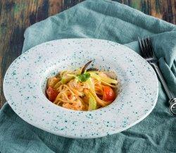 Linguini cu zucchini si creveti image