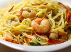 Spaghetti aglio e pepperoncino cu creveți
