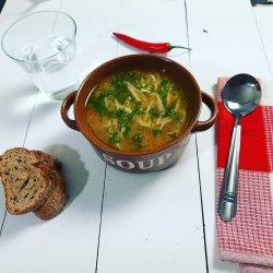 Supă de pui cu tăiței de casă