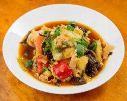 Thịt gà xào rau / Piept de pui cu legume image