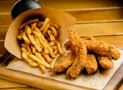 Chicken Fingers & Cartofi Prăjiți image