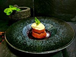 Lava Cake cu sos de fructe de pădure image