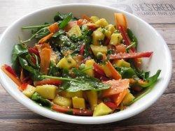 Salata thailandeza (raw) image
