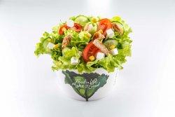 Salată cu piept de pui + 5 Ingrediente image