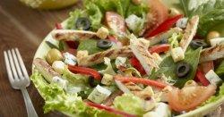 Salată de pui cu gorgonzola