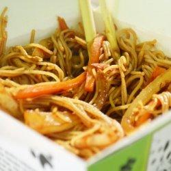 Noodles de orez prăjiti image