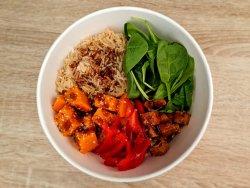 Vegan poke bowl cu orez brun  image