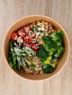 Vegan poke bowl cu quinoa image