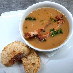 Supă cremă de ceapă cu scăriță afumată și tarhon image