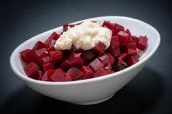Salată de sfeclă roșie cu hrean image