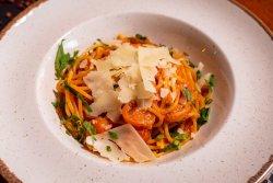 Spaghete cu roșii proaspete image