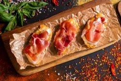 Prosciutto crudo și mozzarella image