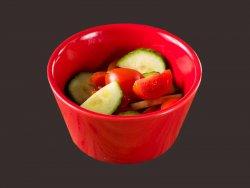 Salata rosii si castraveti