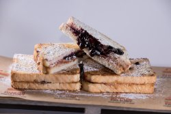 Factory`s Peanut Butter&Jelly Sandwich