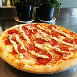 Pizza Con Carne clasică image