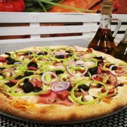 Pizza Con Tutto gigant image