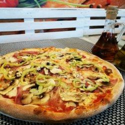 Pizza Quattro stagioni gigant image