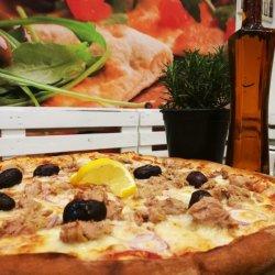 Pizza Tonno gigant
