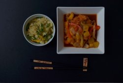 Sweet & sour chicken/praws & vegetables image